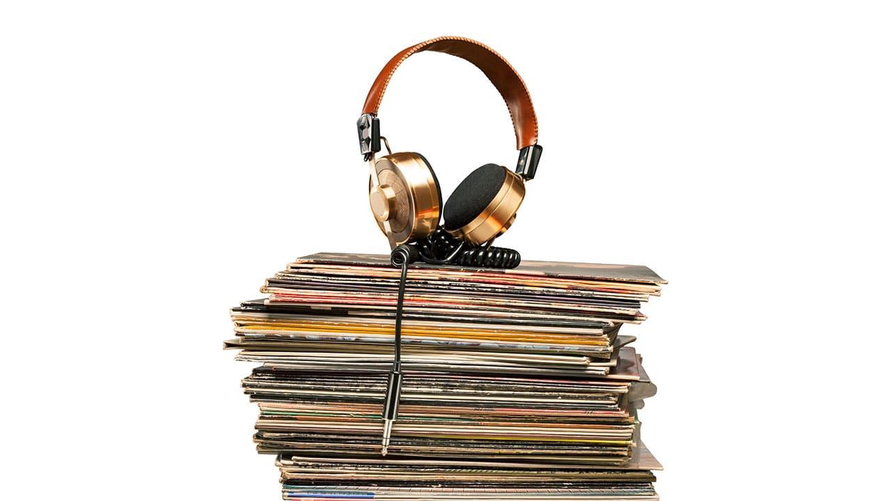 Vinyl Frontier with Ian Moyes